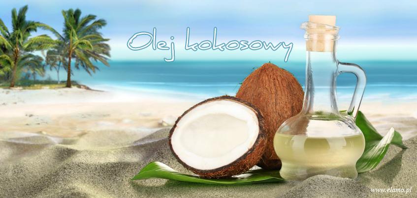 tropikalna plaża, w oddali palmy kokosowe, na pierwszym planie na piasku, orzechy kokosowe i olej kokosowy właściwości lecznicznicze i kosmetyczne m.in. w pielęgnacji włosów podczas upalnych dni