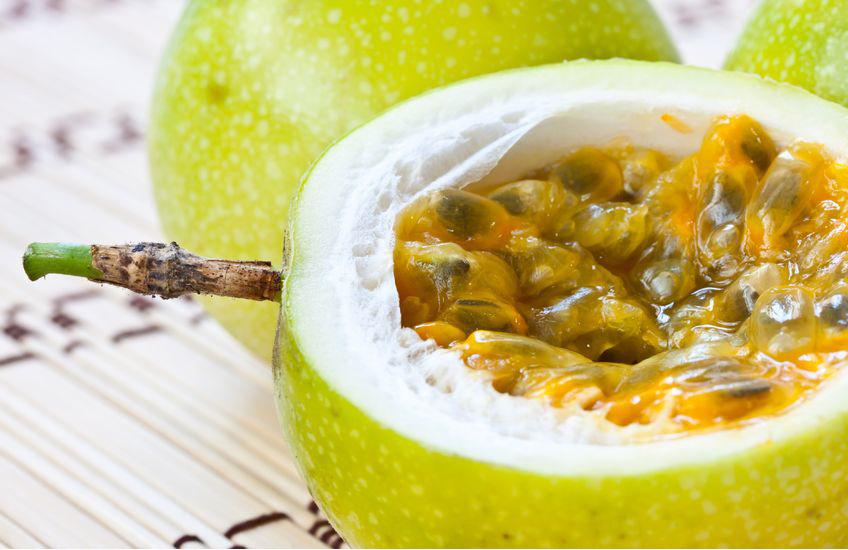 owoce i miąższ marakui (męczennicy jadalnej)